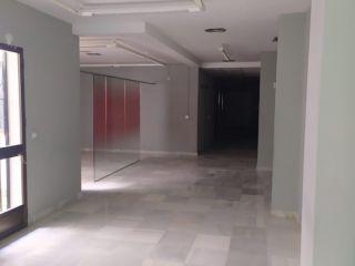 Local en venta en Olvera de 196  m²