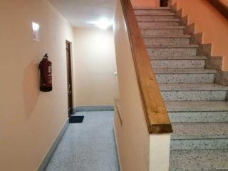 Atico en venta en Oviedo de 69  m²