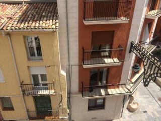 Oportunidad en Calle San Nicolas, con balcon para fiestas 13