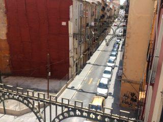 Oportunidad en Calle San Nicolas, con balcon para fiestas 16
