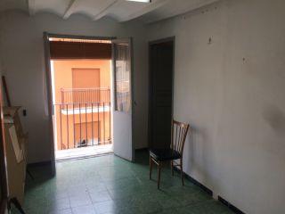 Oportunidad en Calle San Nicolas, con balcon para fiestas 18