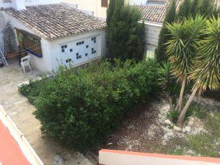 Casa pueblo de dos plantas y amplio jardín!!! 1